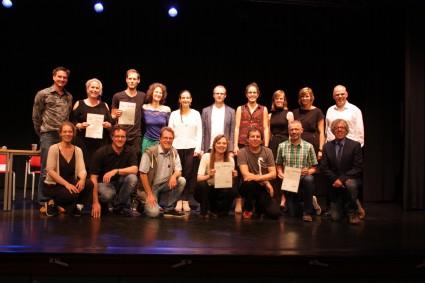 De geslaagden en de commissie (foto: Paul Berning)